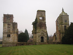 picture of the ruins of Brambletye House